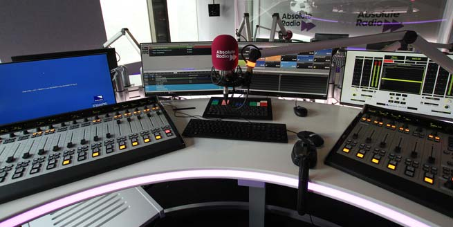 Absolute Radio -radio desk