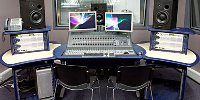 prowave desk for atrium college