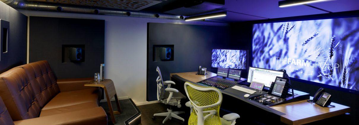 AKA Custom S6 studio desk