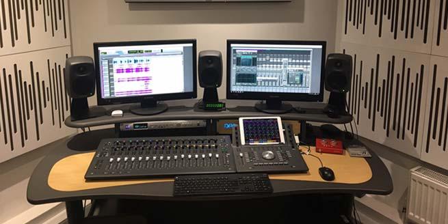 ProMedia Desk