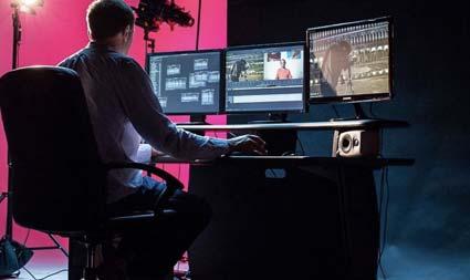 ProMedia Home Studio desk
